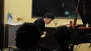 角本ピアノ