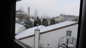 日生中央雪景色